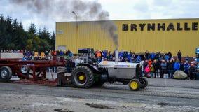 НОРВЕГИЯ, 29 SEPT. FARSTAD- 2019: Вытягивать трактора Стоковые Фото
