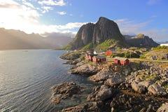 Норвежская деревня - острова Lofoten стоковое фото rf