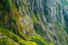 Норвежская предпосылка утеса горы Стоковая Фотография RF