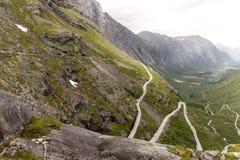 Норвежские сценарные трассы - Trollstigen стоковое изображение rf