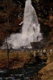 норвежский водопад стоковые изображения