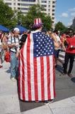 Носить американский флаг Стоковое Изображение