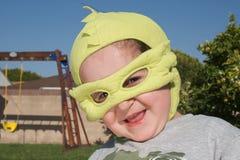 носить героя costume мальчика супер Стоковая Фотография RF