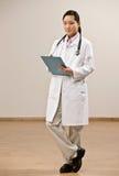 носить лаборатории доктора пальто уверенно Стоковые Изображения