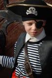 носить пирата costume мальчика Стоковые Фото