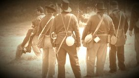 Носить солдат гражданской войны раненый (версия отснятого видеоматериала архива) сток-видео