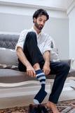 Носки бизнесмена стоковые фотографии rf