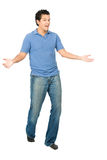 Носки человека идя представляя жест Tada стоковое фото