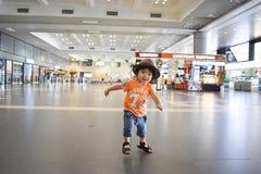 нося мальчик шляпы который милый японский ребенк Стоковые Изображения RF