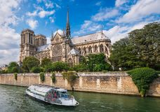 Нотр-Дам в Париже, франция Стоковая Фотография