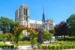Нотр-Дам Парижа. Стоковое Фото