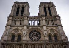 Нотр-Дам de Париж, фасад собора, Франция, 25-ое июня 2013 стоковые фотографии rf