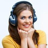 Нот девушки слушая Стоковые Фотографии RF