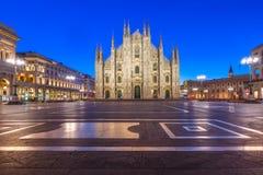 Ноча Аркада del Duomo в милане, Италии Стоковая Фотография RF