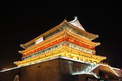 Ноча башни барабанчика Xian Стоковая Фотография