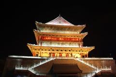 Ноча башни барабанчика Xian Стоковые Фотографии RF