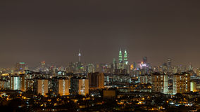 Ноча в Куалае-Лумпур, Малайзии Стоковые Изображения