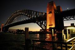 ноча гавани моста Стоковые Фотографии RF