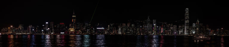 Ноча Гонконга панорамы стоковое фото rf