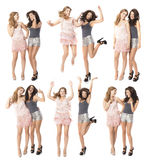 Ноча девушек вне 2 друз танцуя и наслаждаясь Стоковая Фотография