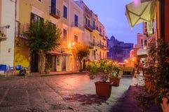 Ноча или рано утром итальянская улица Ischia, Италия Стоковая Фотография RF