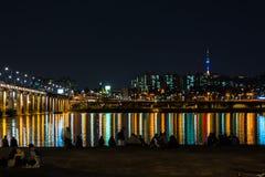 Ноча моста городка и Banpo Сеула Стоковое фото RF