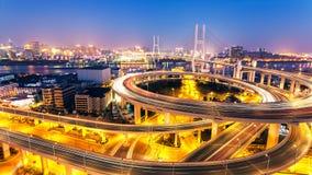 Ноча моста Шанхая Nanpu стоковые изображения