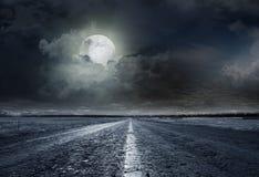 Ноча дороги асфальта Стоковые Изображения RF