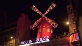 Ноча Париж и румян Moulin, Франция видеоматериал