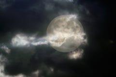 Ноча полнолуния overcast стоковая фотография