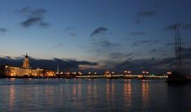 Ноча Санкт-Петербург, Россия Стоковые Изображения RF