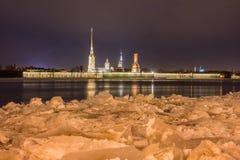Ноча Санкт-Петербург. Стоковые Фотографии RF