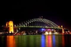 ноча Сидней гавани моста Стоковые Изображения RF