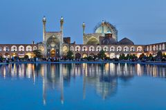 Ноча сняла мечети Shah в квадрате имама, Isfahan, Иране стоковая фотография rf