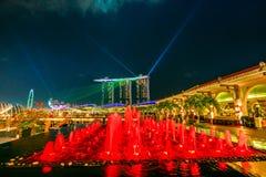 Ноча фонтана Fullerton Стоковое Фото