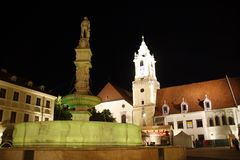 ноча bratislava стоковое изображение rf