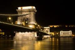 ноча budapest моста цепная Стоковая Фотография RF