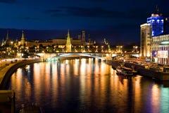 ноча kremlin Стоковое фото RF