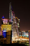 ноча manama стоковая фотография rf