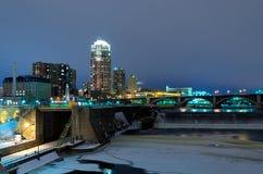 ноча minneapolis Минесоты стоковое изображение rf