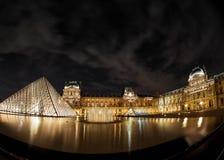 ноча paris музея жалюзи Стоковые Фотографии RF