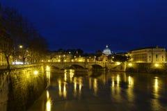 Ноча Ponte Vittorio Emanuele II @ Стоковая Фотография RF