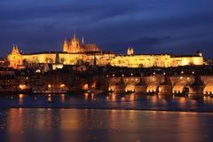 ноча prague замока цветастая готская Стоковое фото RF
