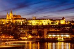 ноча prague замока Стоковое фото RF