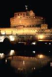 ноча rome Италии castel angelo sant Стоковое Изображение RF