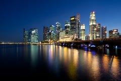 ноча singapore города Стоковая Фотография RF
