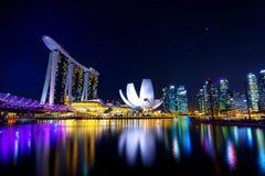 ноча singapore городского пейзажа Стоковая Фотография RF
