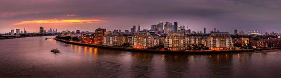 Ночи середины лета на реке Темзе Стоковое Изображение