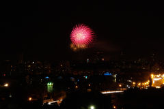 ночи latvia города рождества сказ fairy захолустный скоро подобный к Фейерверки Стоковая Фотография RF