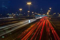 Ночная жизнь в Марине Дубая. UAE. 14-ое ноября 2012 Стоковые Фотографии RF